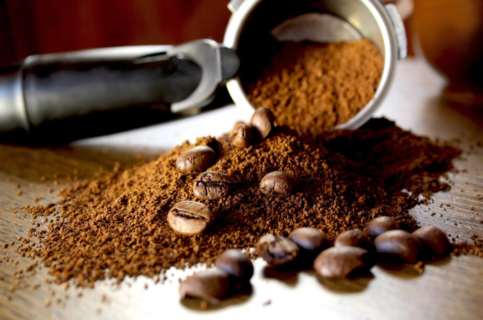 Gommage anti cellulite maison au café